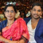 allu arjun with his mother
